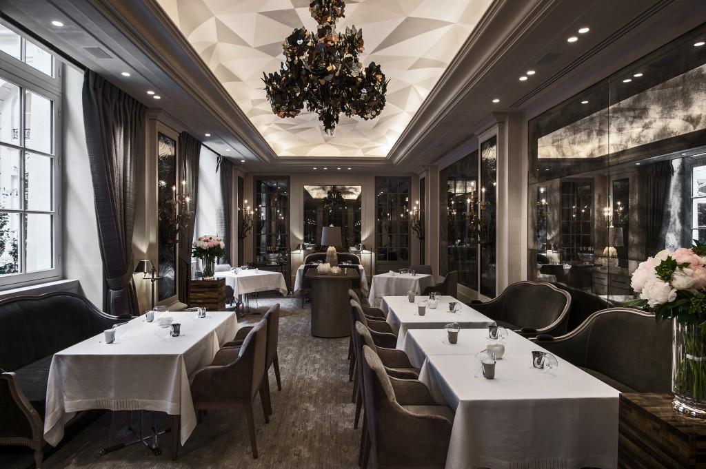 Hôtel de Crillon, where Parisian luxury meets the boldness Japanese sake at the Place de la Concorde by the Champs-Élysées