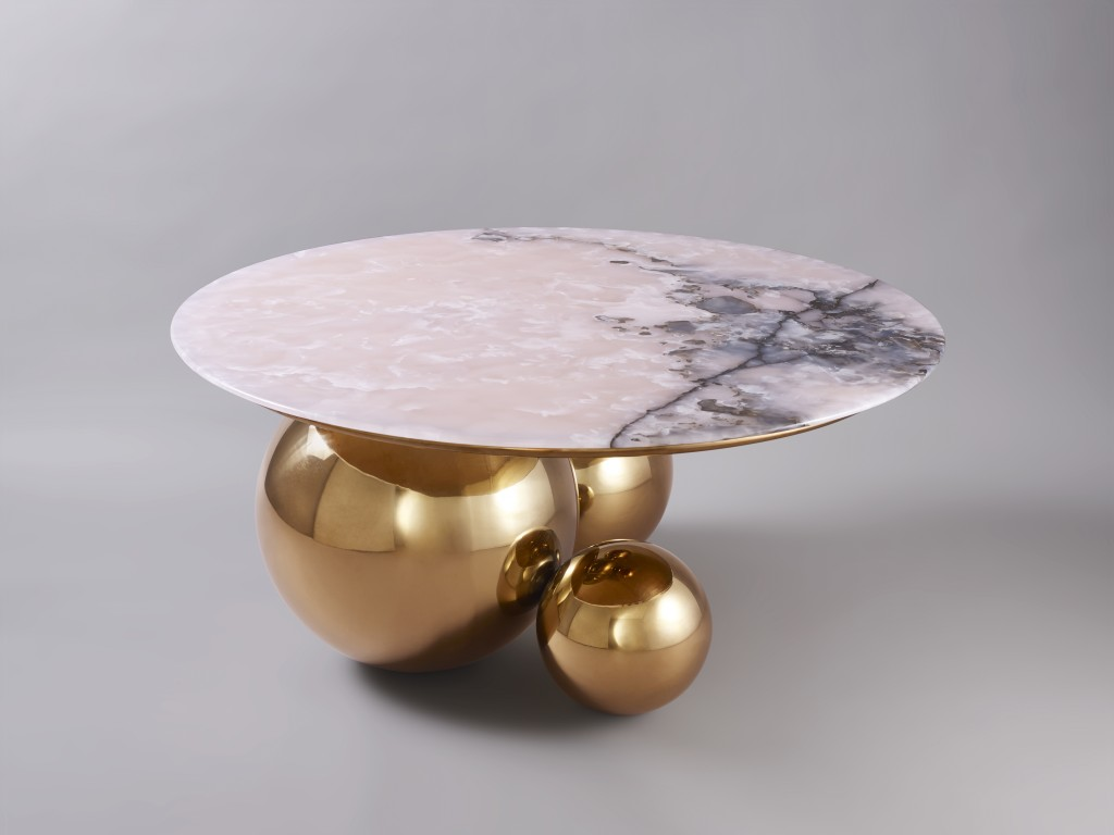 Joint Pink Jade Coffee Table, pink jade, anodized stainless steel in brass finish, 8 + 4 AP, ed. BSL galerie Paris, 2017